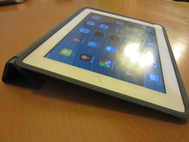 iPadケース Apple純正 ポリウレタンスマートカバー8