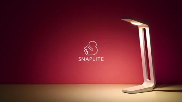 撮影できるデスク照明 SnapLite(スナップライト)1