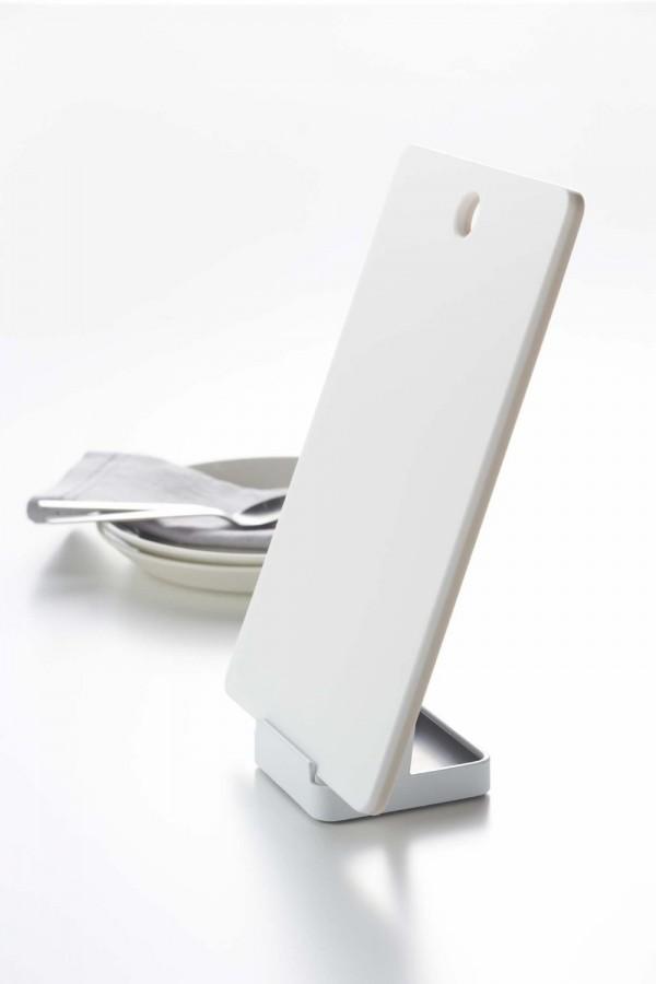 まな板の乾燥に便利なまな板スタンド