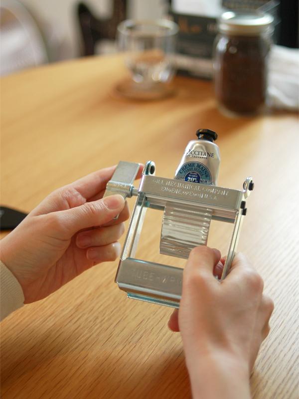 チューブの歯磨き粉を使い切るTube Wringer(チューブリンガー)_1