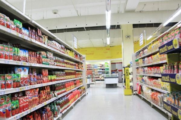 スーパーマーケット 買い物