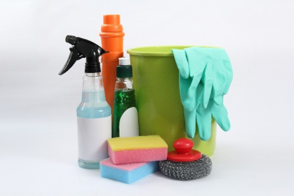 毎日のお風呂掃除がラクになる便利グッズ! 電動ブラシで時間短縮!
