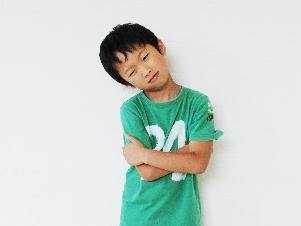 子供_悩む_表情