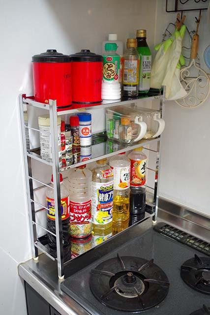 キッチンを広く使える便利グッズ! キッチンラックでスッキリ収納