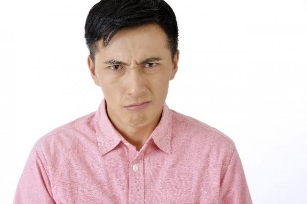 表情_男性_嫌な顔