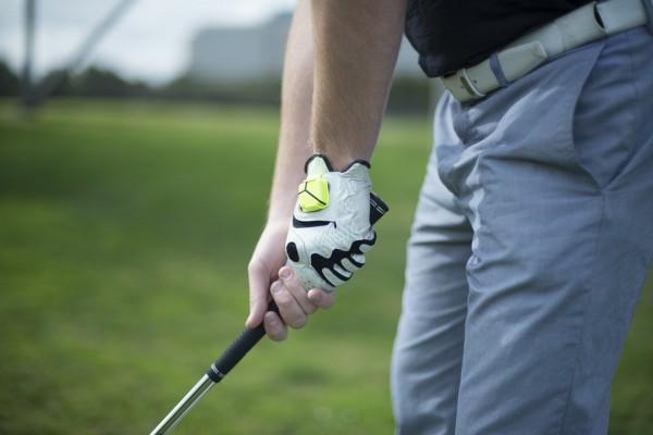 ゴルフ・野球・テニスの上達の近道!スマホで解析zeppスイングセンサー