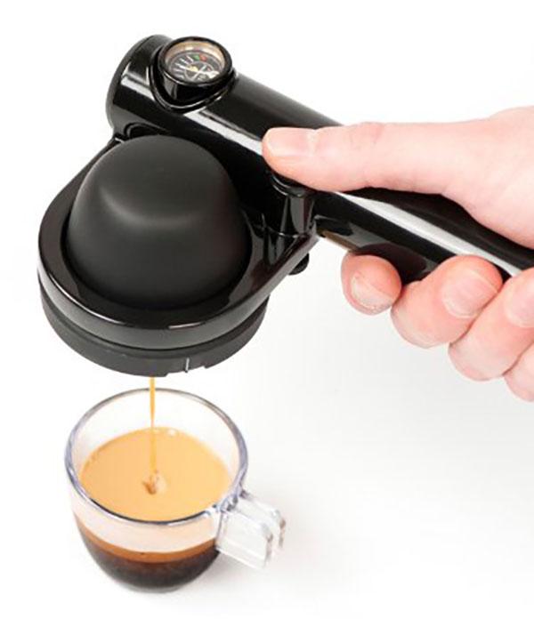 ポッド不要コーヒー粉OK!コンパクト家庭用エスプレッソマシン!