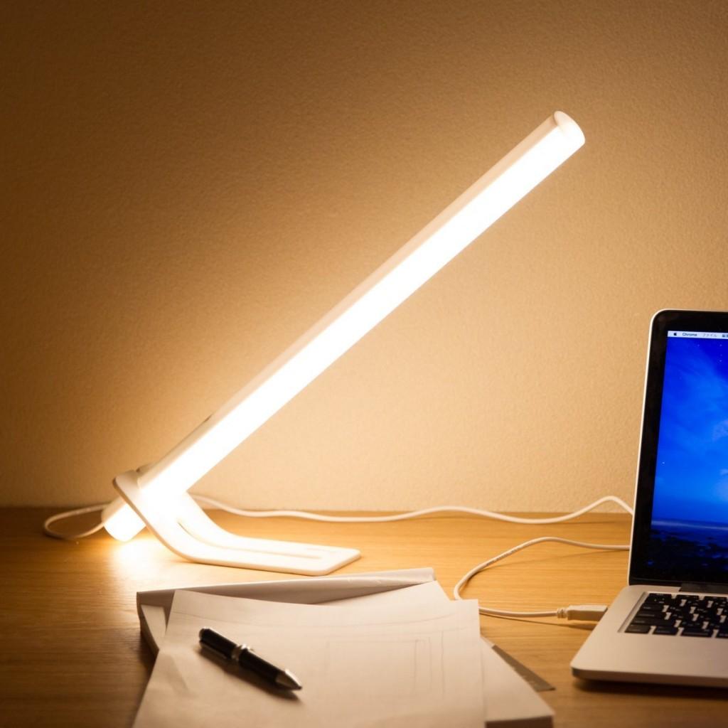 おしゃれで便利! 無段階調光LEDインテリアポールライト!