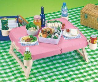ドリンクホルダーが便利!軽量折り畳みピクニックテーブル