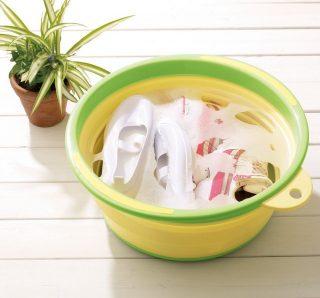 漬け置き洗いの洗濯に!足湯もできる折りたたみバケツ